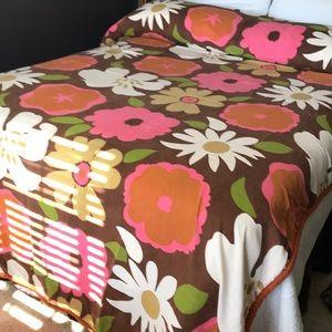 Vintage FLOWER POWER Bedspread Full RETRO Girls